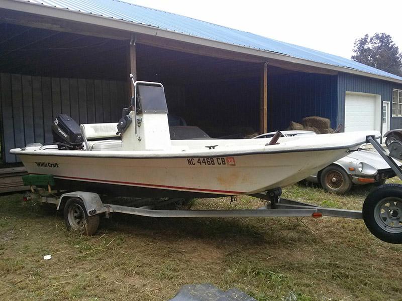 HCAutos :Willis Craft 18ft Center Console Boat
